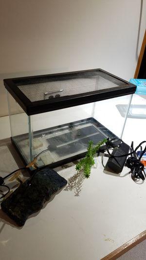 Aquarium 2+ gallon with screen top for Sale in MI METRO, MI