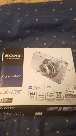 Sony cyber-shot dsc w650 camera for Sale in Marietta, GA