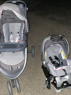 Infant Car Seat for Sale in Monson,  MA