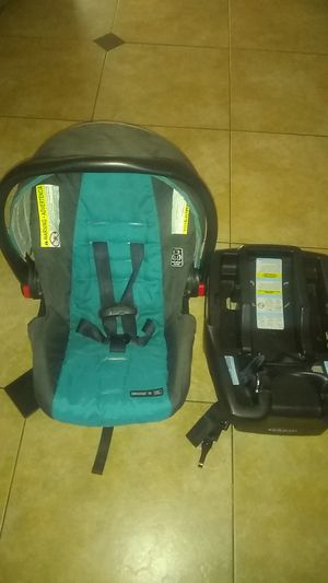 Graco baby car seat for Sale in Avondale, AZ