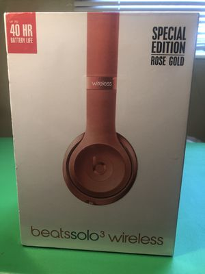 Rose Gold Solo Dre Beats 3.0 for Sale in St. Petersburg, FL