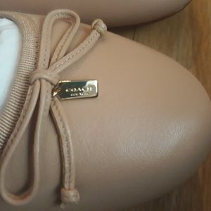 Coach Brand New In The Box Ballet Flats Champagne Color Sz 9 1/2 for Sale in Port St. Lucie, FL