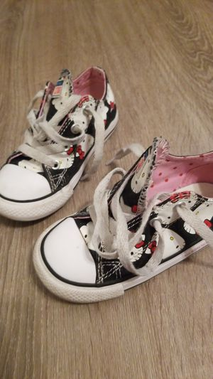 Toddler girl hello Kitty converse for Sale in Whittier, CA