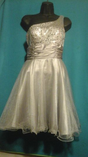 Prom Dress / Vestido de fiesta de graduación for Sale in Bloomington, CA