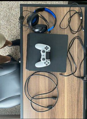 PS4 Pro for Sale in Clackamas, OR