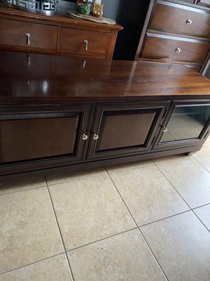 3 cabinet tv stand for Sale in Staten Island, NY