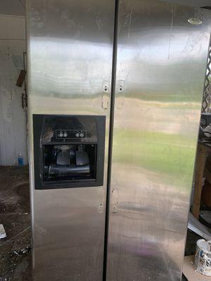 Whirlpool fridge for Sale in Merritt Island, FL