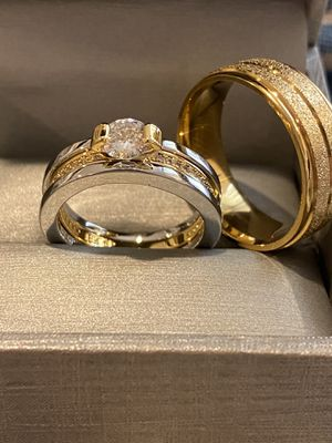 Beautiful Matching Ring Set— 18K Gold plated Rings for Sale in Miami, FL