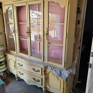 Dish Cabinet/ Chinera for Sale in Riverside, CA