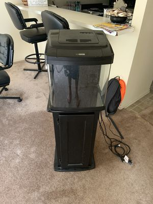Fish Tank. Bio cube 14 gallon LED with stand. Pick up only for Sale in Huntington Beach, CA