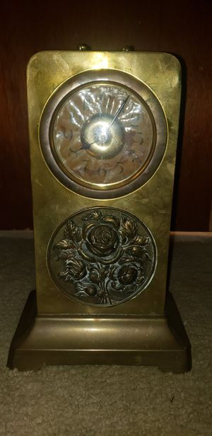 Antique brass mantle clock. WORKING for Sale in East Point, GA