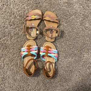Size 5 DISNEY Moana Sandals; size 7 Wonder Nation Sandals for Sale in Garden Grove, CA