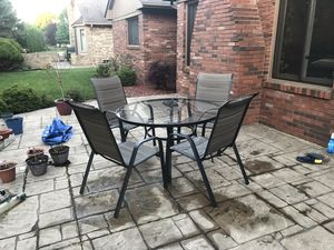 Patio furniture (4 seater) for Sale in Shelby charter Township, MI