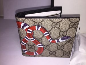 Gucci Supreme Snake Beige Leather Wallet Authentic for Sale in Queens, NY