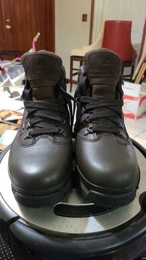 Waterproof and oil resistant leather work boots for Sale in Hialeah, FL