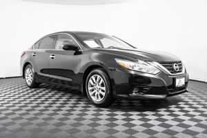 2016 Nissan Altima for Sale in Lynnwood, WA