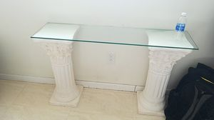 Art deco side table with glass top for Sale in Hialeah, FL