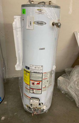 40 Gallon Whirlpool water heater with warranty HS33F for Sale in Dallas, TX