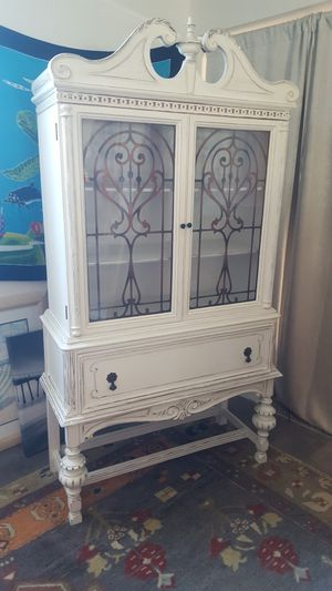 Distressed Shabby Chic China Cabinet for Sale in Kensington, NH