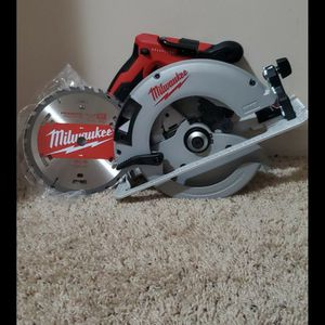 Brand new never used Milwaukee M18 18-Volt Lithium-Ion Brushless Cordless 7-1/4 in. Circular Saw (Tool-Only) $$ 120 firm for Sale in Bakersfield, CA