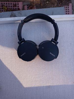 Sony MDR-XB650BT wireless headphones for Sale in West Sacramento, CA