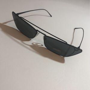 Authentic Prada Cat Eye Sunglasses for Sale in Atlanta, GA