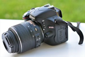 Nikon D5100 DSLR Camera & AF-S 18-55mm VR Zoom Lens for Sale in Ellicott City, MD