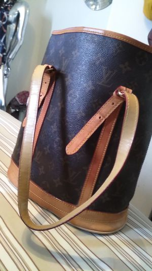Real leather bucket bag for Sale in Blue Island, IL