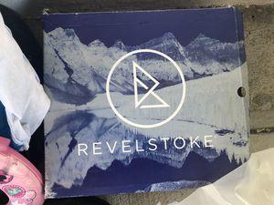Revel stoke Size 14 Men's Snow Shoe Brand Nee Still in the box for Sale in Orinda, CA
