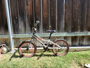 """Giant Animator 12"""" pedal bike for Sale in San Diego, CA"""