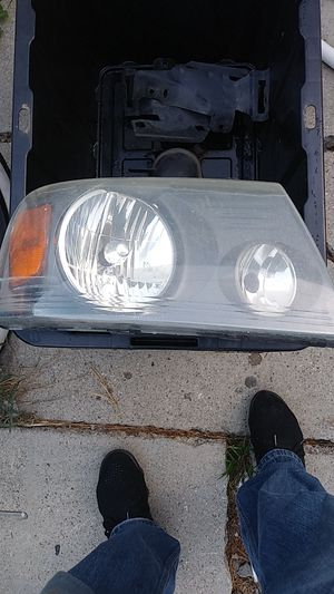 Truck parts 2004 ford F150 front ligths for Sale in Long Beach, CA