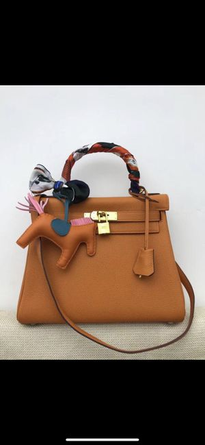 Hermès 28 cm Kelly bag for Sale in Seattle, WA
