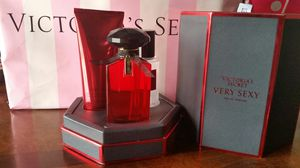 NWT Victorias Secret perfume 3 pcs for Sale in Winter Haven, FL