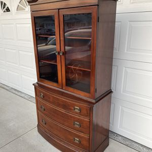 Selling a vintage 3 drawer hutch with two doors shelves , still in good condition considering the age , minor blemishes considering the use, measures for Sale in Corona, CA