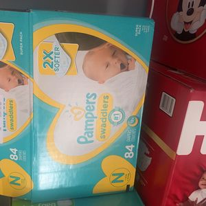 Pampers Newborn 84 for Sale in Pasadena, CA