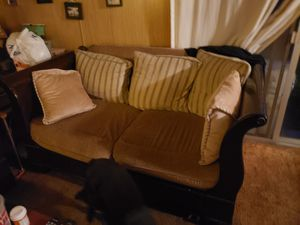 Couch and loveseat for Sale in Calimesa, CA