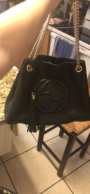 Authentic Gucci soho shoulder chain tote for Sale in Altamonte Springs, FL