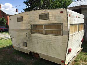 1975vintage Shasta camper for Sale in Waynesboro, PA