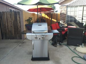 Grill in very good condition works very well and very clean no for Sale in Phoenix, AZ