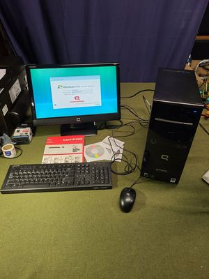 Compaq Presario Desktop Monitor Keyboard and Mouse for Sale in Twin Oaks, MO