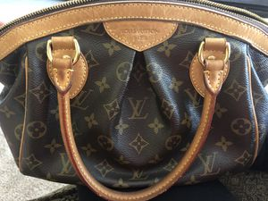 Louis Vuitton bag- Tivoli for Sale in Wesley Chapel, FL