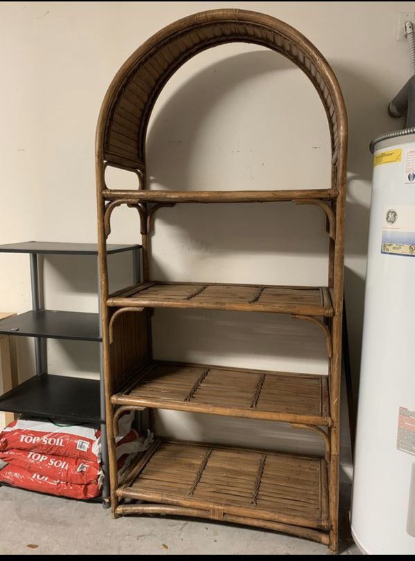 Wooden storage (4 shelves)