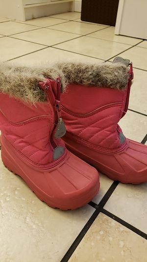 Snow boots size 10 girls for Sale in Pomona, CA