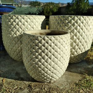 """New Planting Pots """"Cream White 20""""&15"""" Pinequilt Ceramic Planters"""" 2 Pc Set Available $90ea.😷 for Sale in Highland, CA"""