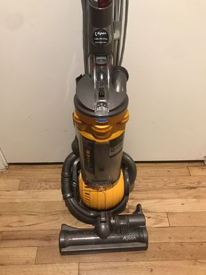Dyson Ball Dc25 Yellow Vacuum Cleaner REFURBISHED for Sale in Tacoma, WA