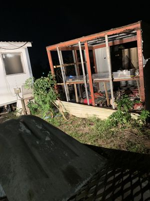 Free Steel frame shed... for Sale in Baytown, TX