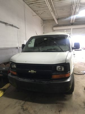 Chevy express 2005 for Sale in Detroit, MI