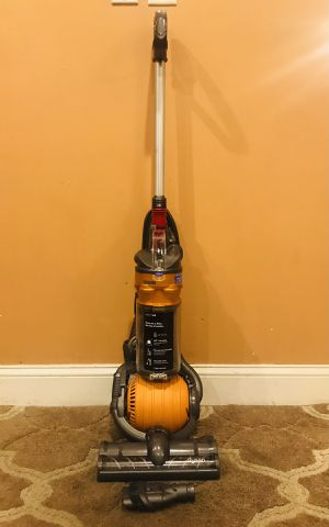 Dyson Dc24 Ball Vacuum Cleaner for Sale in Raymond, NH