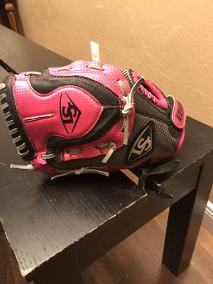 Girls left-handed softball glove. for Sale in San Diego, CA
