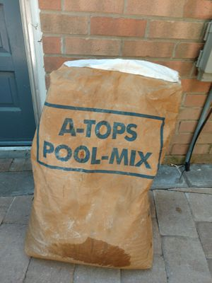 A-tops pool mix vermiculite approximately 10lb for Sale in Virginia Beach, VA